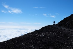climbing-mount-fuji-mt-fuji-japan-hiking-16
