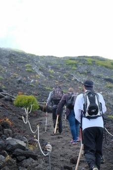 climbing-mount-fuji-mt-fuji-japan-hiking-2
